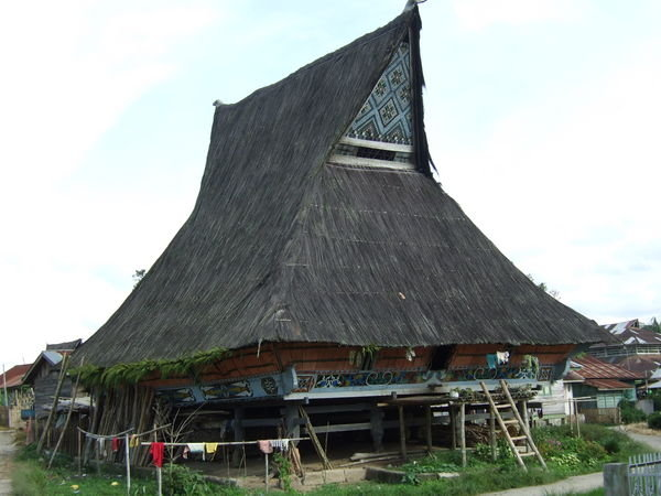 Rumah Khas Batak Karo Terancam Punah